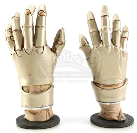 Lot #133 - BICENTENNIAL MAN (1999) - Pair of NDR Series Android Hands