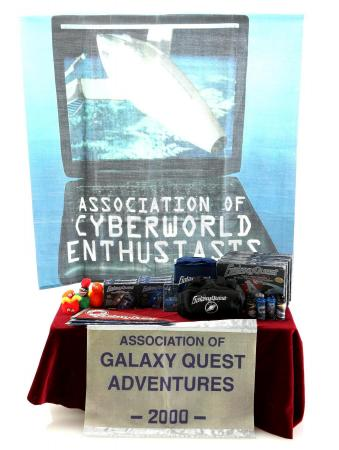 Lot #265 - GALAXY QUEST (1999) - Set of Miniature Convention Display Pieces