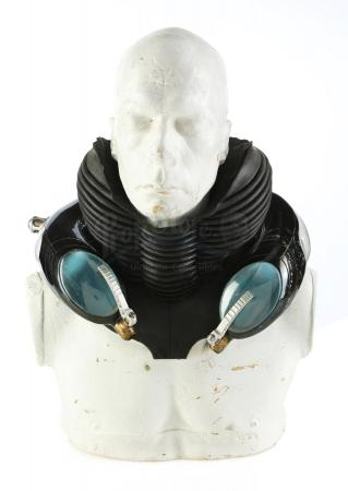 Lot #331 - HELLBOY (2004) - Abe Sapien's (Doug Jones) Hero Breathing Apparatus