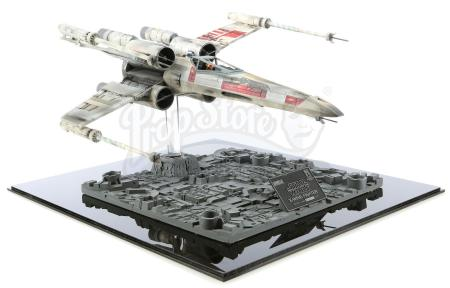 Lot #690 - STAR WARS: A NEW HOPE (1977) - ICONS X-Wing Fighter Replica Model