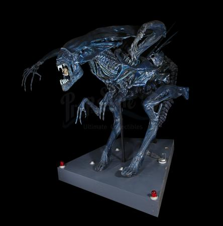 Lot #23 - ALIENS (1986) - Full-size Promotional Alien Queen