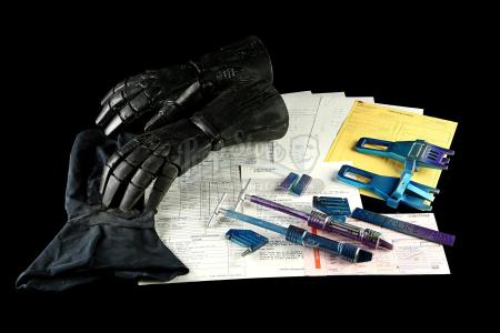 ROBOCOP 2 (1990) - RoboCop (Peter Weller) Gloves and Suit Components