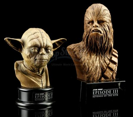 STAR WARS: REVENGE OF THE SITH (2005) - Yoda and Chewbacca Statue Crew Gifts