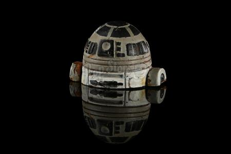 STAR WARS: A NEW HOPE (1977) - R2 Unit Model Miniature