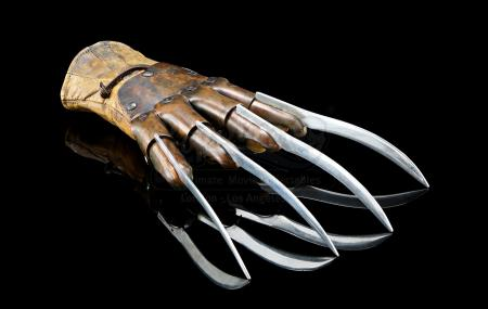 FREDDY VS. JASON (2003) - Freddy Krueger's (Robert Englund) Razor Glove