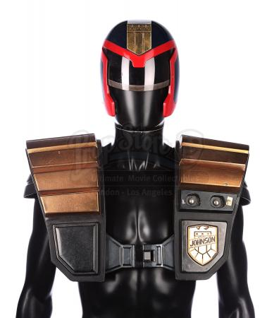 JUDGE DREDD (1995) - Street Judge Helmet and Shoulder Armour
