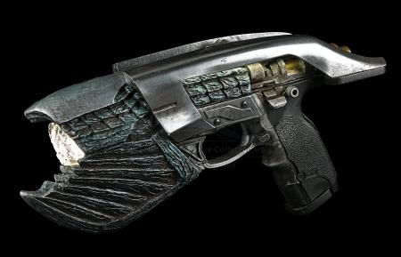 SPIDER-MAN: HOMECOMING (2017) - Light-Up Fin Pistol