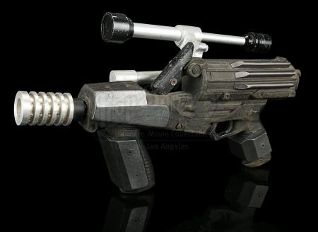STAR WARS: THE PHANTOM MENACE (1999) - Naboo Security Guard's CR-2 Blaster