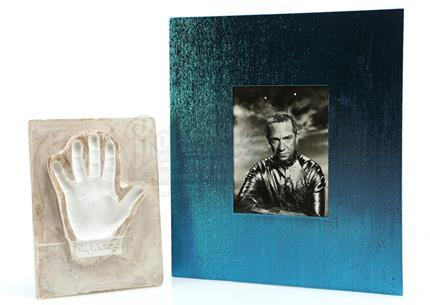 MY FAVORITE MARTIAN (1963 - 1966) - Ray Walston Signed Handprint and Photograph